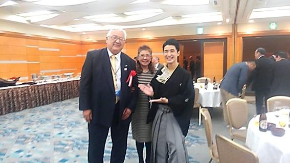 左からDRP岡本副社長、東京海上あんしんエージェンシー 飯田様、林家けい木様